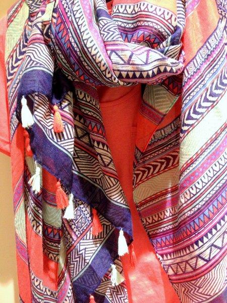 Shawl die overal bij kan Multicolor Costes Roze T-Shirt kledingadvies