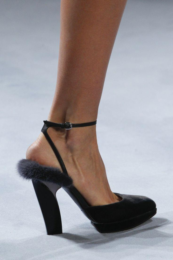 fur shoe heel modetrends