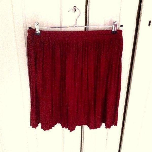 red skirt-001