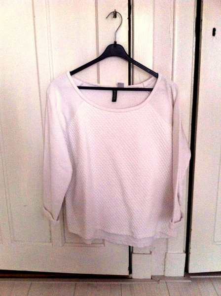 sweater-001