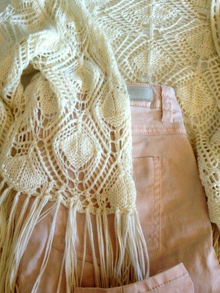 kledingadvies roze denim hippie gehaakt vest.jpg