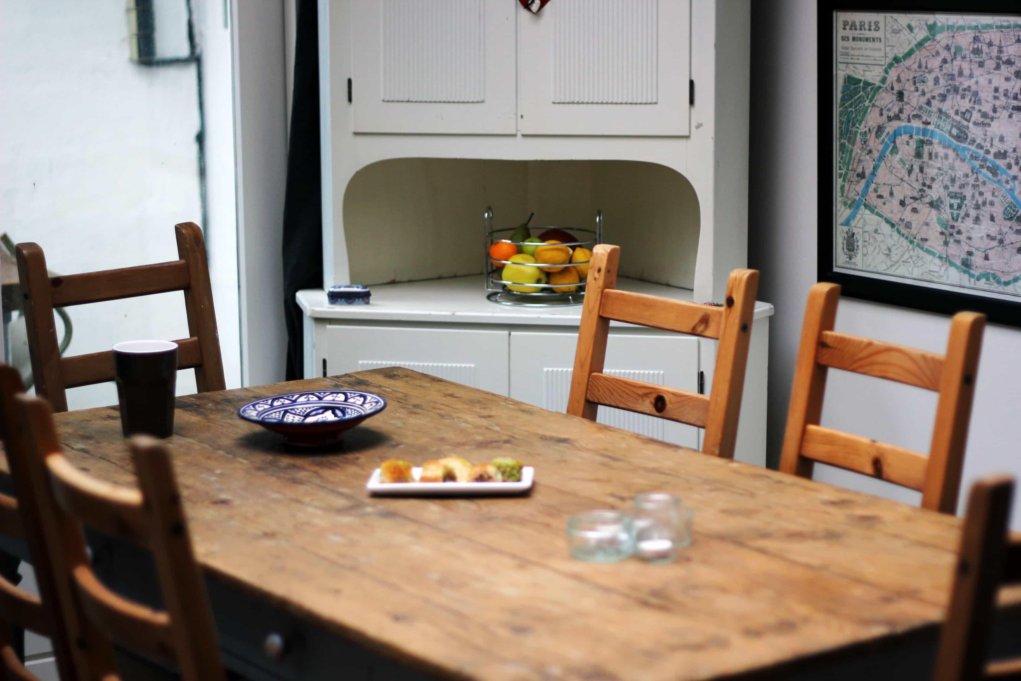 Piet Klerkx neemt een kijkje in de keuken van Yolande Avé Kleding- & Stijladvies!
