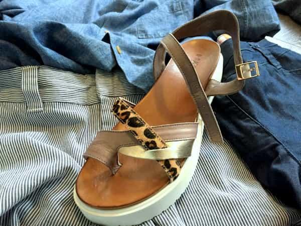 review stijladvies kledingkast-check outfit utrecht ervaringen jolande sandalen zomer korte broek combineren denim shirt personal shopping